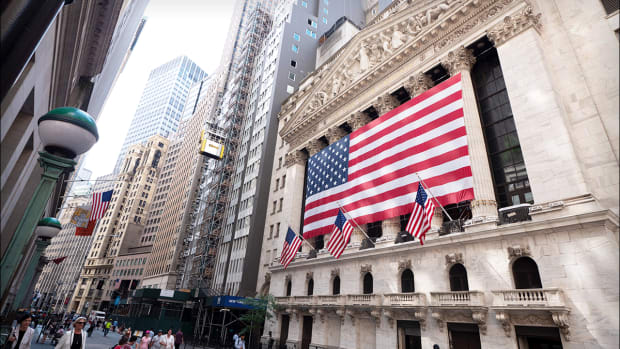 Dow Futures Drift Lower, Crude Pares Gains As Markets Gear for Fed Rate Decision