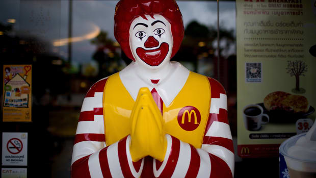 McDonald's Shares Go Rancid -- Golden Arches See Stock Dive Below Key Price