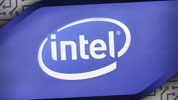 Intel Shares Fall as Chipmaker Beats Earnings but Posts Weak Guidance