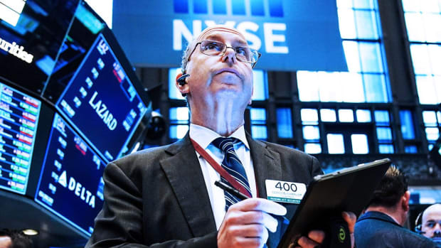 Dow Ends Higher on New York Fed President Remarks; Stocks Gain
