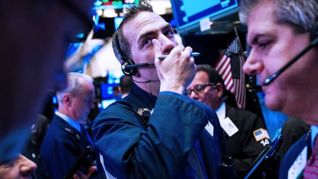 S&P 500 Could Drop More if Federal Reserve Doesn't Cut Rates, Stifel Says