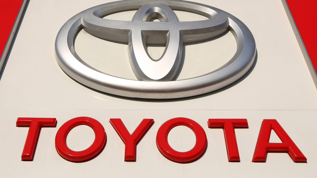 Toyota Boosts Full Year Profit Outlook Amid Weakening Yen, Improving China Sales
