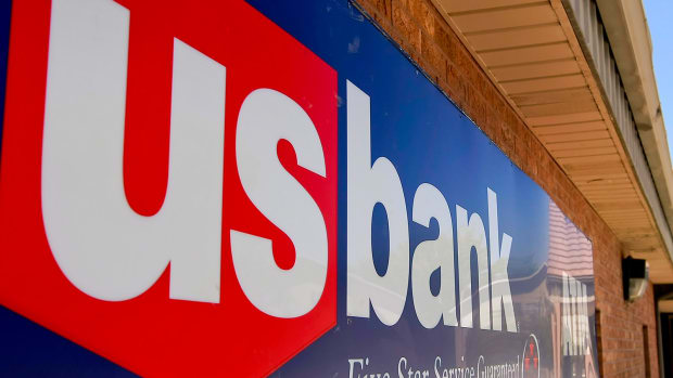 U.S. Bancorp Posts Earnings in Line With Analysts' Forecasts