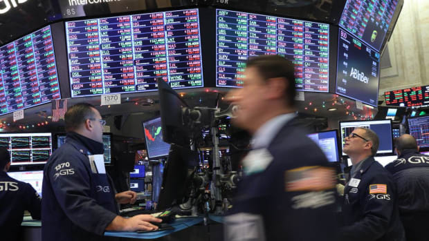 Stocks Slide, Dollar Shines, Amid US-China Trade and Global Growth Concerns