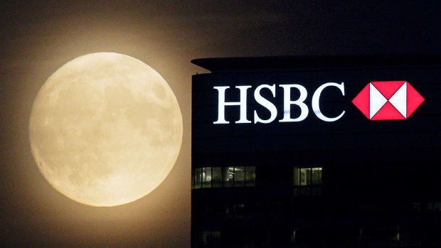 HSBC Slips as Risings Costs Overshadow Solid First Half Profits