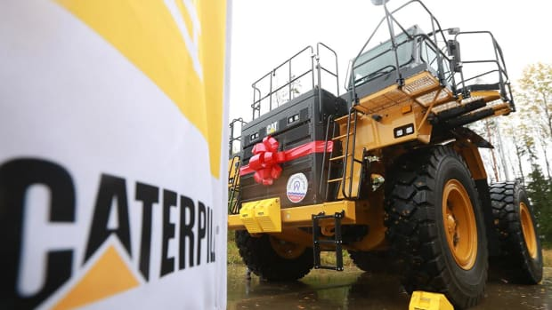 Caterpillar Climbs on Upgrade, Rise in Oil Prices
