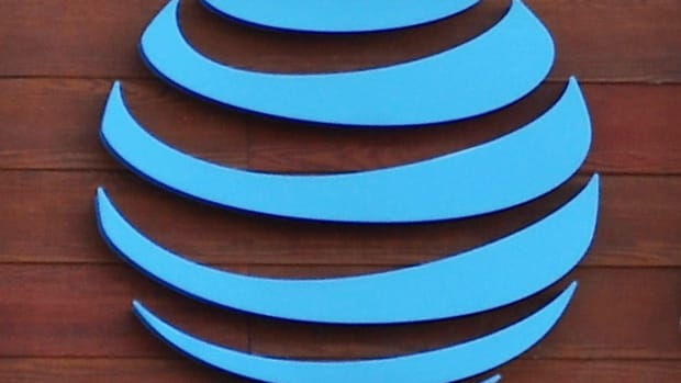 Bankers Ply AT&T With Options to Sell Troubled DirecTV Unit - Report