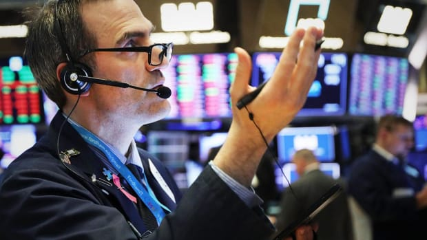 Global Stocks Slip Despite Wall Street Records; European Tech Gains, Autos Drift