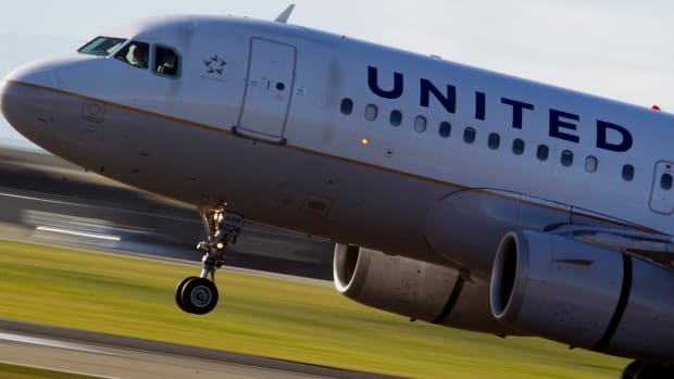 United Airlines Shares Jump on Revenue Beat