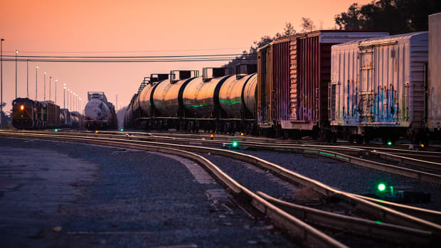 Kansas City Southern Delivers Gains Following Earnings Beat