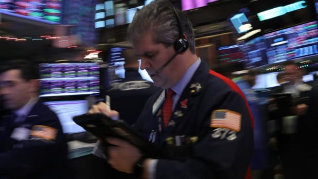 Global Stocks, US Futures Weaken as Investors Eye Treasury Meeting on Markets