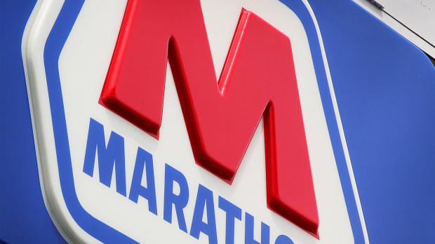 Marathon Petroleum, iQIYI, Caesars Entertainment: 'Mad Money' Lightning Round