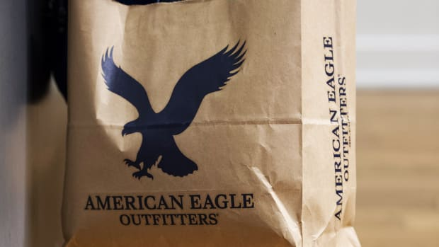American Eagle Shares Rise After Company Issues Weak Guidance