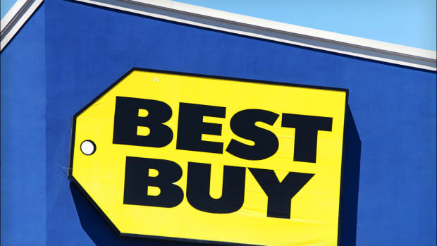 Best Buy Tops Q3 Earnings Forecast, Lifts Profit Guidance:'Excited' For Holidays