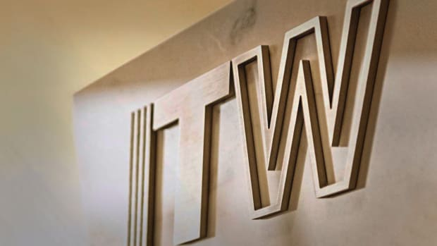 Illinois Tool Works Shares Ease Following Goldman Downgrade to Sell