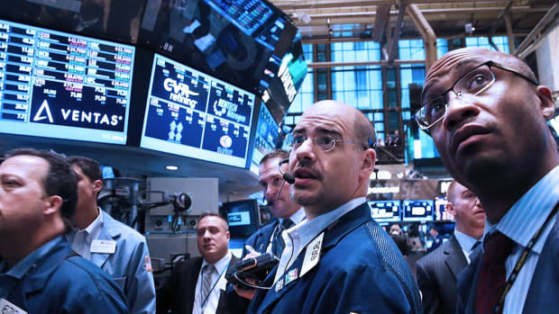 Dow Ends up More Than 200 Points as Rate-Cut Hopes Spur Stocks