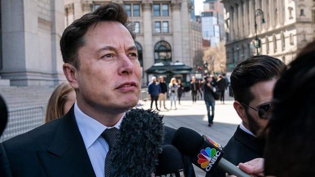 The Tesla Equity Raise: Fool Us Again, Elon!