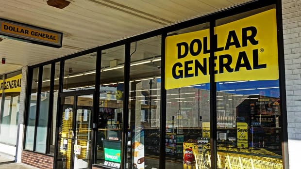 Dollar General's Price May Be Dropping, but It Is Not a Good Bargain