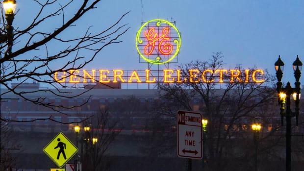 General Electric Shares Dip After UBS Downgrade, Industrial Cash Flow Trim