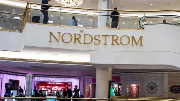 Nordstrom Drops as Goldman Sachs Turns Bearish Due to Multiple Headwinds