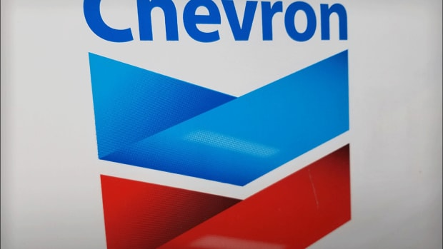 Buy Chevron and Exxon Mobil for Their Generous Dividends