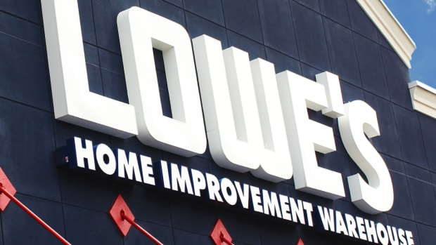 Lowe's Tops Record High After Q3 Earnings Beat, 2019 Profit Outlook Lift