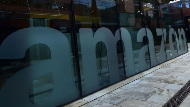 Amazon vs. Apple: A Tale of Two Corporate Expansions