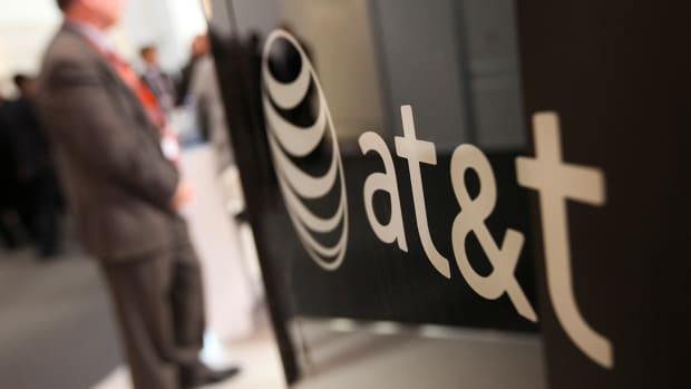 Can AT&T Stock Really Rally 60% to $60?