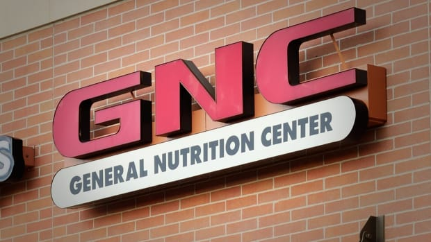 GNC Tumbles as Earnings Miss Forecasts