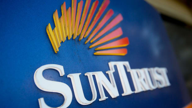 How to Trade BB&T and SunTrust Following Merger News