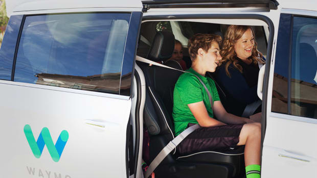 Waymo Teams With Jaguar for 20,000 Self-Driving Car Fleet