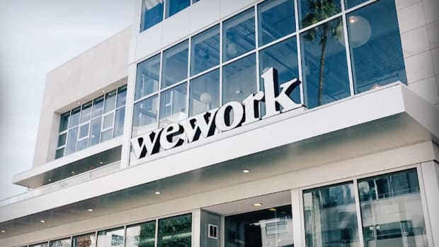 WeWork's Quarterly Loss Balloons as Costs Soar, IPO Plans Fail