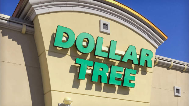 Don't Buy the Dip in Dollar Tree Stock