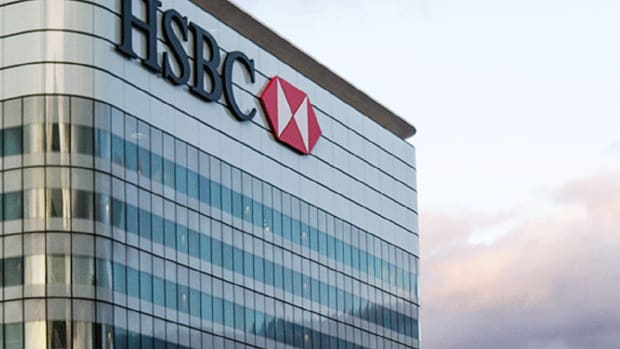 HSBC Shares Dip After FT Reports Asia-Focused Bank Planning 10,000 Job Cuts
