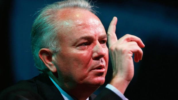 AutoNation CEO Mike Jackson Stepping Down Next Year