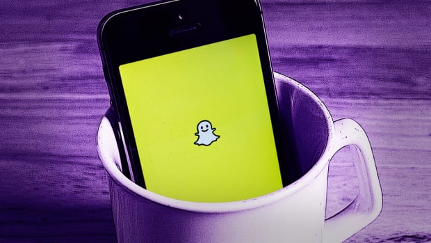 Snap Rises on Report of Talks With Major Record Labels