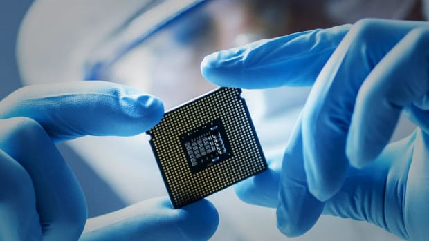 ASML Tops Q3 Earnings Forecast as EUV Semiconductor Design Orders Improve