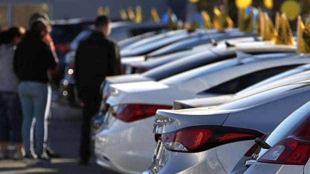 CarMax Trades Higher After Reporting Mixed Earnings