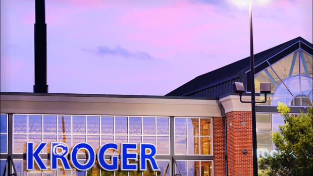 Kroger's Bullish Forecast Triggers Investor Shopping Spree for the Shares