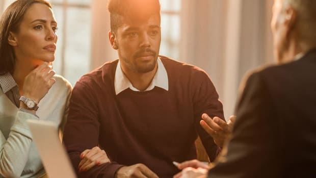 How Advisers Can Have the Fee/Commission Conversation with Clients