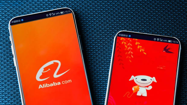 Alibaba Bounces as Tensions Cool, but Is It a Buy?