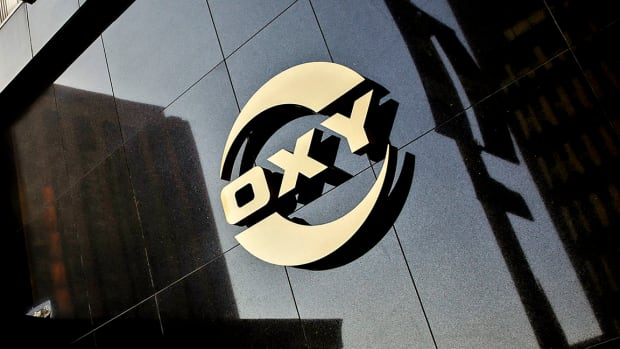 Occidental Rises on Reported Carl Icahn Plan to Replace Board