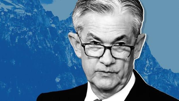 Fed Chief Pledges to Aid Economy as Trump Calls Him an `Enemy'
