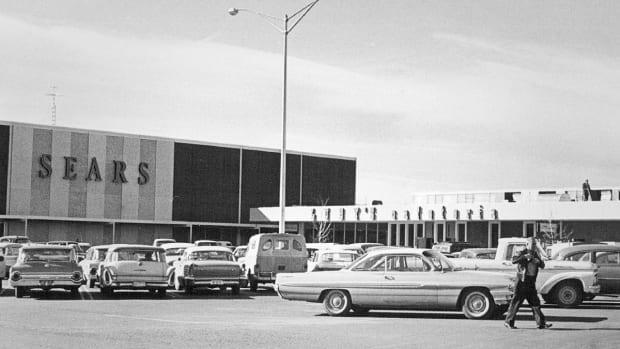 Sears Chairman Lampert Boosts Bid to $5 Billion: Report