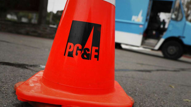PG&E Plunges on Exposure to Up to $18 Billion in Damage Claims