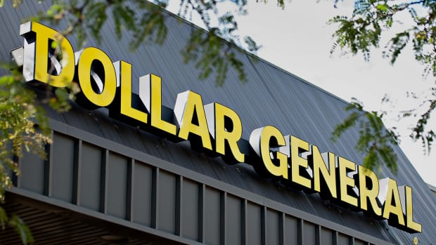 Dollar General Shares Rise as J.P. Morgan Lifts Price Target on Retailer