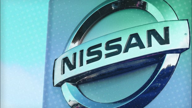 Nissan Falls After Backing Report it Will See Operating Profit Plunge