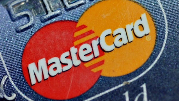 Mastercard: Growth Unimpeded, Stock Is a Buy