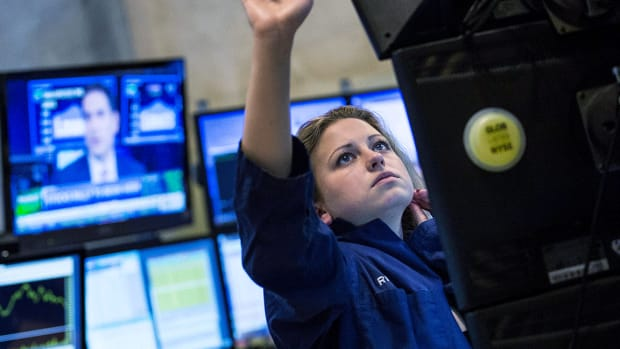 Dow Ends Up More Than 500 on Positive Rate Cute and Trade Signals; Tech Rebounds