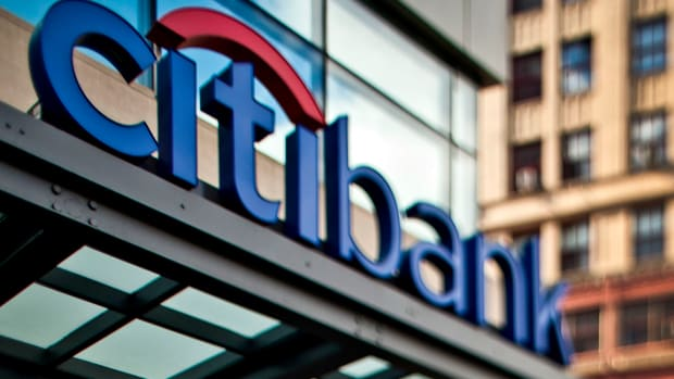 Citigroup Shares Tumble as Credit-Card Revenue Falls Shy of Estimates